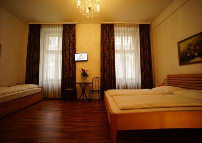 Triple Room/Pension Liechtenstein